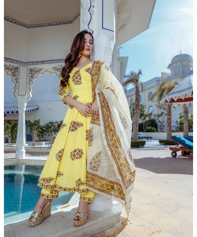 Women Suit Set Online – Shop Readymade Kurta Set At Mirraw | free Classified | Free Advertising | free classified ads
